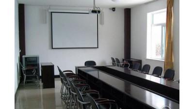 出租:北京(朝阳门内大街)东四地铁口附近小型会议室