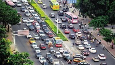 公安部:全国机动车保有量达3.22亿,驾驶人数量突破4亿