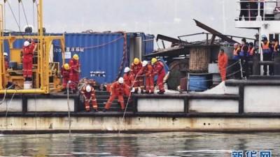 重庆公交坠江13人死2人失联 遇难者家属怎么索赔?