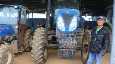 """广西来宾:""""智慧农业""""带来巨变 """"失地""""农民开上进口车"""