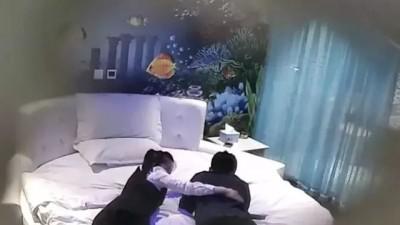 西安一酒店被曝插座暗藏摄像头:正对着床 拍了14G视频