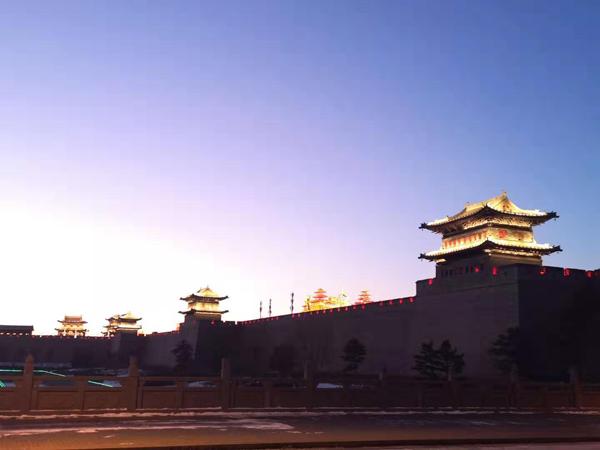 靳松彪手机拍图——山西大同古城墙元宵节灯火