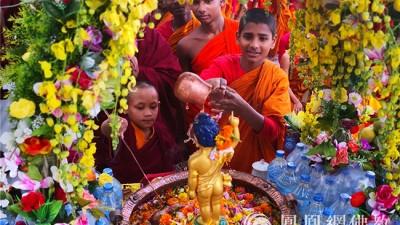 5月12汉传佛教浴佛节 看僧众浴佛
