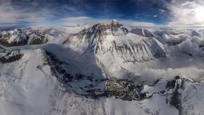 首张珠峰全景照片
