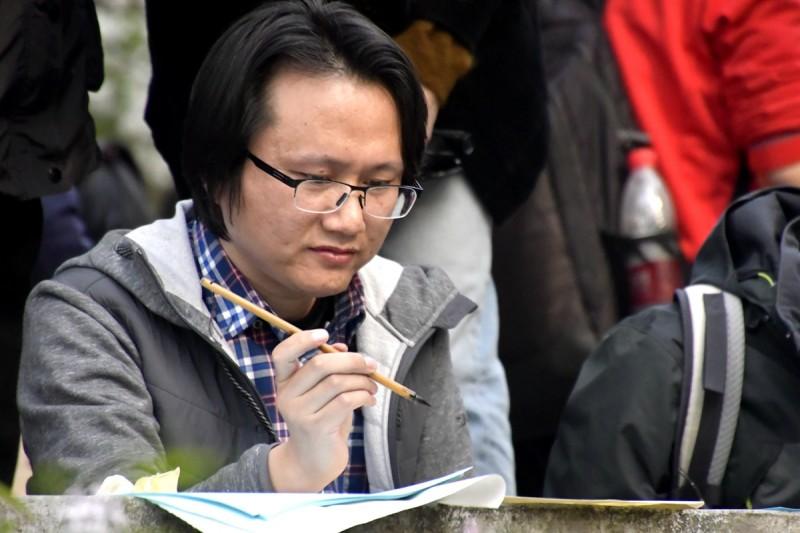 李月(爱娣)丁香诗会拍摄的人物镜头