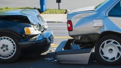 如果开车被追尾,自己无责,记得多说这3句话,能多拿到三笔赔偿