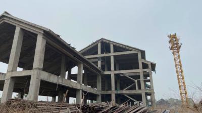 河北邢台一乡村中学烂尾4年 学生被迫迁出借读、生源流失