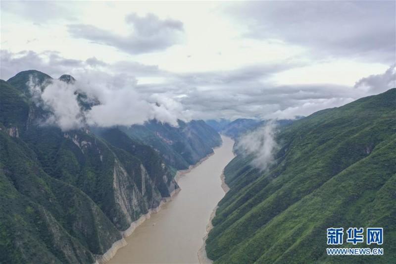 壮美三峡 巫山云雨美如画