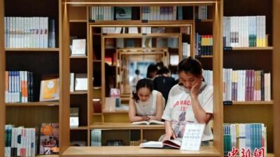 看纸书、听书……读屏时代,你的阅读方式变了吗?
