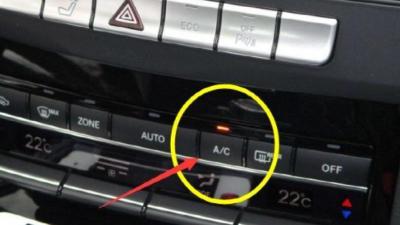 冬季驾车,暖风到底开不开A/C键?费油吗?