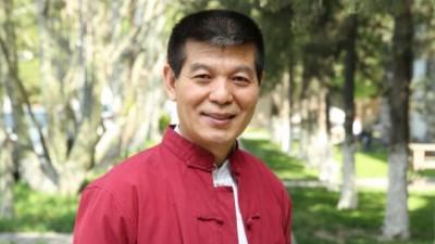 中国当代最具收藏价值书画家——范扬