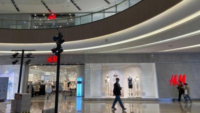 H&M抵制新疆棉花事件,郑州不买账,记者探访:退货、拒买成常态