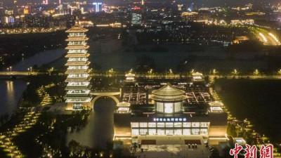 """扬州中国大运河博物馆流光溢彩""""盛装""""亮相"""