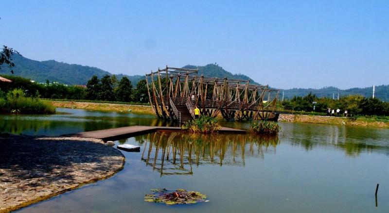 笑琰摄影:安吉孝丰潴口溪村新农村风景