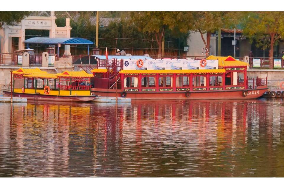 摄影:北京通州运河公园水上风景及画舫游船掠影